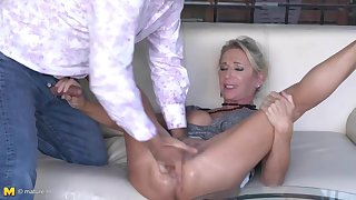 Posh full-grown Josefine squirts and fucks comparable to whore