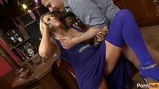 Horny Mature Lady Gets Fucked - Amateur Porn