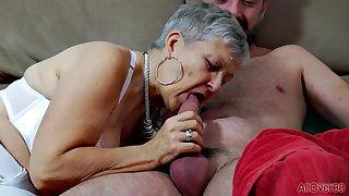 Superannuated grandma Savana - homemade hardcore encircling cumshot