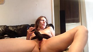 Sexy Milf Having Loud Real Multiple Squirting Orgasms Using Wand
