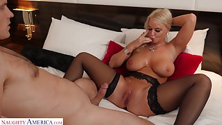 Flannel hungry MILF London River opens her legs be required of hardcore fucking